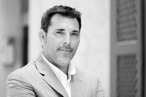 Entrevista a Víctor del Árbol